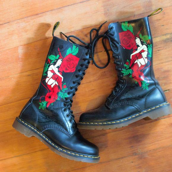 Rare Dr.Martens burlesque pin up girl Boots